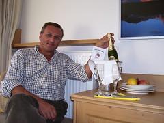 Compleanno Moeno auguri dell'albergo (morenodalborgo) Tags: compleanno moreno valgardena