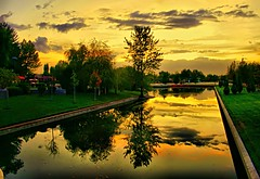 diagonal reflection (NURAY YUZBASI) Tags: park travel autumn sunset cloud reflection tree turkey diagonal 1855mm ankara hdr bulut gezi gnbatm aa yansma sonbahar akam flickrsbest altnpark canonrebelxti specialpicture platinumphoto anawesomeshot theunforgettablepictures vosplusbellesphotos saariysqualitypictures autumn2oo9 kegenyansma verev