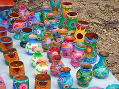 Little business at Palenque, Mexico (Channed) Tags: pots cannikin palenque mexico travel colorful chantalnederstigt channedimages