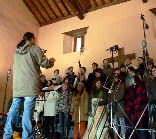 """CORO """"ÁNGEL BARJA"""" JJMM-ULE - GRABACIÓN EN EL MONASTERIO DE GRADEFES - 22.11.09"""