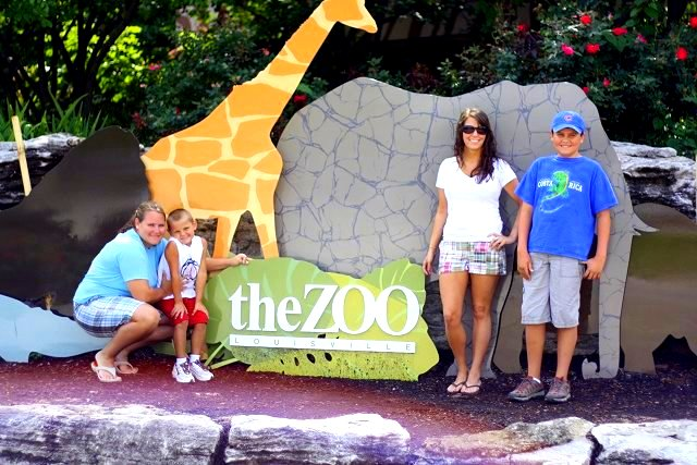 cousin, bubby, me, & drew at zoo