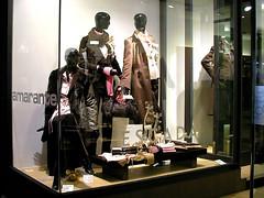 deco (anjoyplanet) Tags: show windows shop french suisse geneva swiss decoration lausanne genve multimedia dcoration vitrines realisation multimdia romande ralisation anjoyplanet