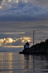 Lighthouse (lasse christensen) Tags: sea sky norway clouds norge himmel skyer srlandet hav kvalya supershot fyrlykt torungenfyr dsc5095 hesnesyene