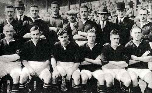 Manchester United 1927-28 team photograph