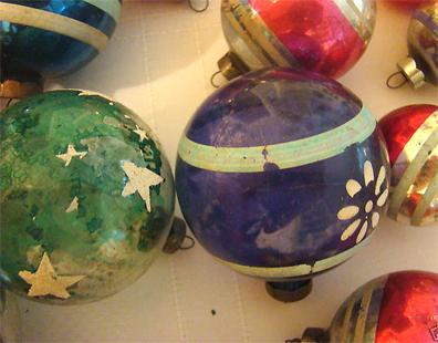 4vintage-ornaments