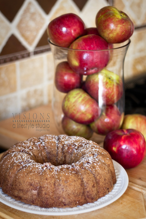 Apple Bundt Cakewm