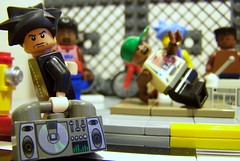 LEGO boombox and breakdancers