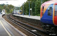 Aldershot - Desiro Class 450 (SP Railways) Tags: uk southwest station train box rail railway trains class emu british signal 450 3rd aldershot tsbg 450018