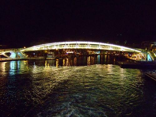 鼓山輪渡站_1號船渠的哈瑪星景觀橋_夜景01