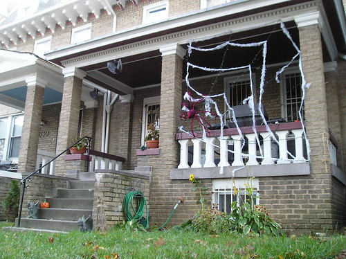Halloween Decorations: 632 Quebec Place