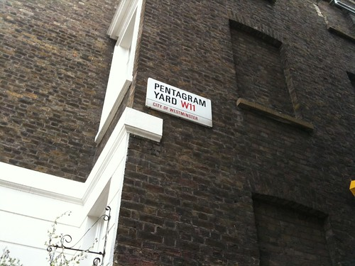 KPI: Having a street sign