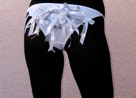 DIY-whut-gray-bow-panties-loveMaegan-butt
