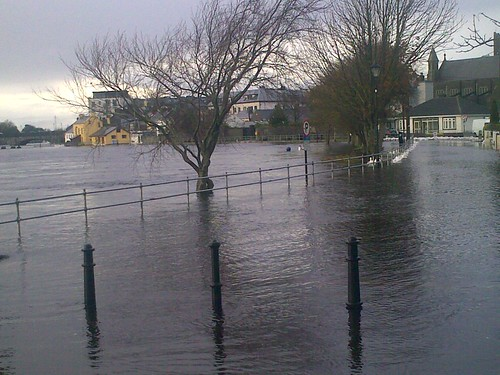 Flood images - Athlone, Nov 27th, 2009