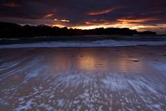 Playa de Porto (Rafa Riancho) Tags: sunset espaa beach water spain agua playa shore foam ocaso cantabria espuma portio