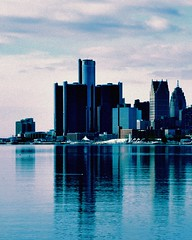 motor city bue (buckshot.jones) Tags: winter usa ice skyline marriott detroit detroitriver belleisle renaissancecenter johnportman gmbuilding