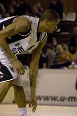 Lawrence in the game (Riti Jzsef Attila) Tags: basketball clujnapoca baschet kolozsvr kosrlabda mobitelco univeristatea csmbucuresti