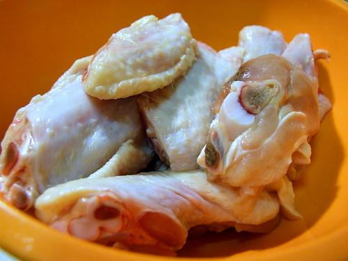 balinese fried chicken - raw wings