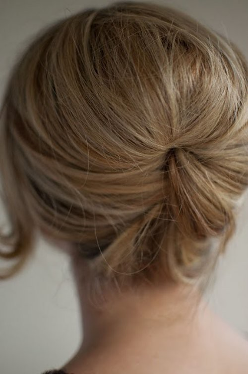 loose+beehive+bun+hairstyle+hero+web