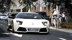 Lamborghini Murcielago LP640 (Sven A) Tags: italy white canon germany photography eos gold wheels fast automotive rims dsseldorf wit lamborghini supercar murcielago 80200 goud lp640 1000d svenalberts