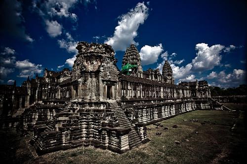 Angkor Wat, Cambodia (by javajive)