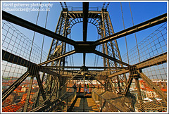 Puente Colgante Transporter Bridge (david gutierrez [ www.davidgutierrez.co.uk ]) Tags: city bridge urban building architecture buildings spectacular geotagged puente photography photo arquitectura cityscape image sony centre cities cityscapes bridges center front structure architectural bilbao unesco explore 350 page architektur sensational metropolis alpha frontpage bizkaia portugalete impressive dt transporter municipality edifice puentecolgante getxo transporterbridge cites colgante f4556 1118mm sonyalphadt1118mmf4556 sony350dslra350