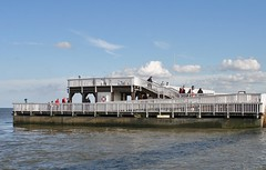 """Aussichtsplattform """"Alte Liebe"""" an der Elbe in Cuxhaven (cuxclipper ) Tags: water river wasser elbe cuxhaven viewingplatform alteliebe aussichtsplattform"""