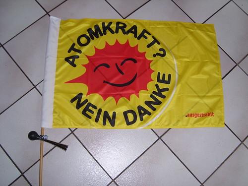Die Hupe an der Fahne für den Atomausstieg