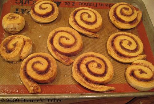 Pumpkin Cinnamon Rolls: Baked