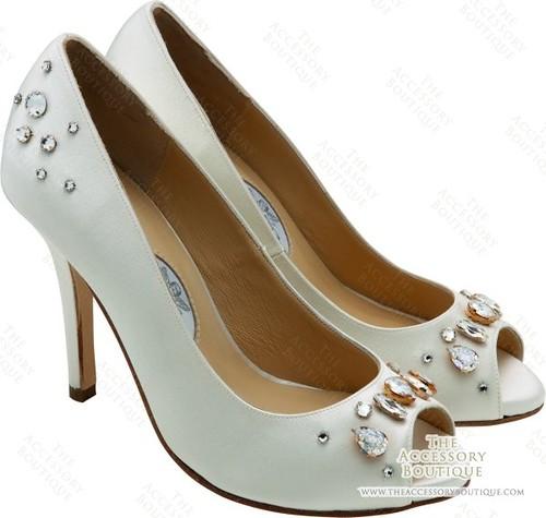 Rhinestone wedding shoes.