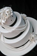 Without the topper (franjmc) Tags: wedding roses white black cake lilies drape cachous