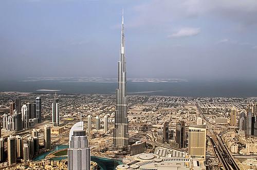 迪拜世界为了造高楼将自己弄破产了