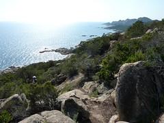 La côte et le sentier littoral au S de Capu di Fenu