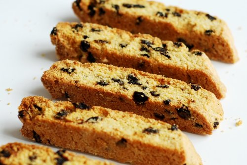 Cornmeal-Currant Biscotti