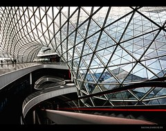 fachwerkkonstruktion (explored) (bauingenieuse) Tags: architecture modern shopping frankfurt architektur glas frankfurtammain stahl rolltreppe fachwerk ffm konstruktion 2011 einkaufszentrum frankfurtam explored myzeil