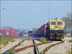 CONCOR DEPOT - LKO WDG-4 #12220 - INDIAN RAILWAYS