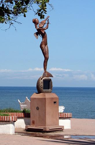 Fiddler Statue - Puerto Vallarta
