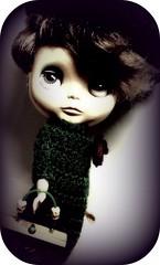 Just Eibeen (Blythemaniaco) Tags: autumn fashion disco outfit doll moda db boogie otoo blythe knitted mueca fal ebl boxbags blythephotos eibeen erregiradas margirona