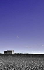 The Lonely House (Chris Snowden) Tags: nottingham portrait sky house colour detail field landscape interesting nikon image scenic explore soil butler lonely d90 cropwell