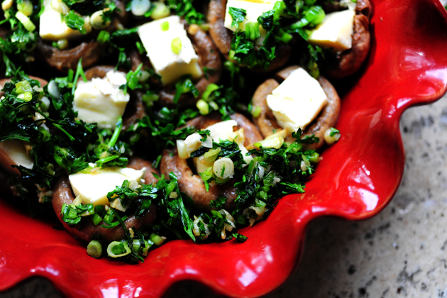 Mushrooms Stuffed with Brie | The Pioneer Woman Cooks | Ree Drummond