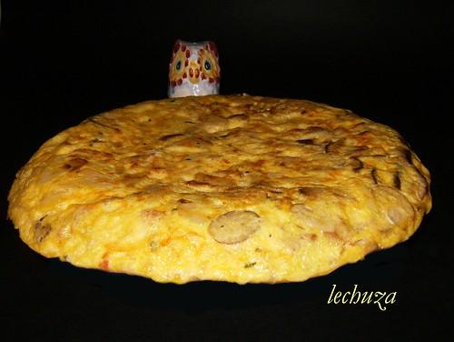 Tortilla de Boletus y chorizo.
