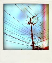la red... elctrica. (Carlos Jaimes) Tags: light luz way subway poste call telephone carlos electricity jaimes 2245