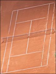 Sportschau #1 (ajurgenowski) Tags: germany aerial fromabove tennis ruhrgebiet oberhausen tenniscourt gasometer vonoben tennisplatz fujifilmfinepixs5600 ruhrareadeutschland