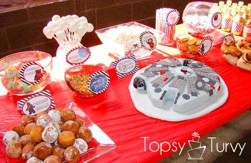 lego-star-wars-birthday-party-food-table-cake