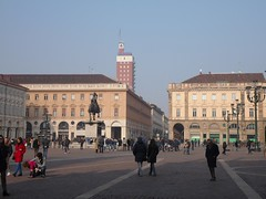 It's busy on piazza San Carlo in Turin on this first sunny spring day (Marythere) Tags: torino piazzasancarlo sunny day busy people