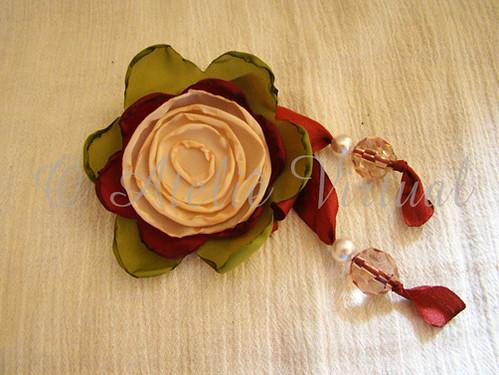 Multi-Flor Creme por O Ateliê Virtual.