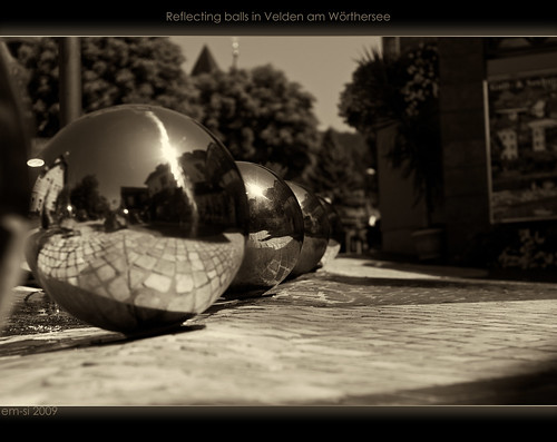 Reflecting balls in Velden am Wörthersee