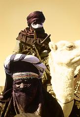 NIG043 (vicentemendez.com) Tags: africa mountains festival niger del desert camel desierto camello montaas tuareg ar iferoune