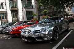 Fancy (Vikars') Tags: red white slr london cup coffee socks mercedes hotel dubai tea uae cream chrome arab mclaren londres vanilla abu dhabi 2009 dorchester qatar exotics supercars viken vanille chromed vikars ldn makelele arslanian 2k9 722s