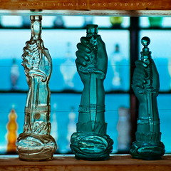 Botellas (yassefselman.com) Tags: chile casa neruda isla negra tamron2875mm28 nikond40 yassefselman