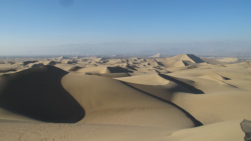 The dunes of Huacachina